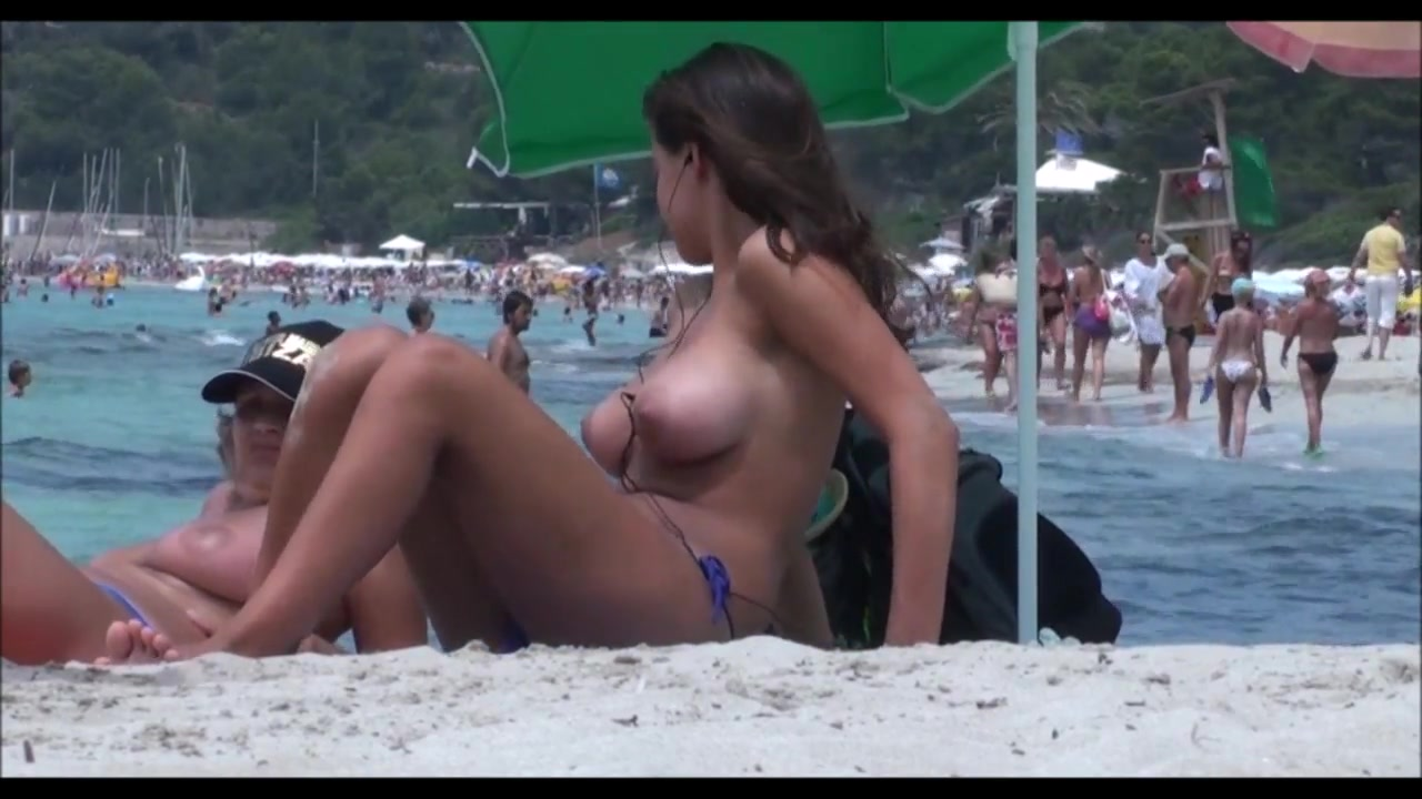 Suggest Mature mom voyeur beach very much